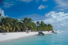 Its one of the best ways to experience the beautiful lagoon of Aitutaki and spend time on one of the most talked about places in the world ~ One Foot Island!